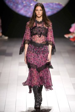 1853946125-anna-sui-rs18-0183_1